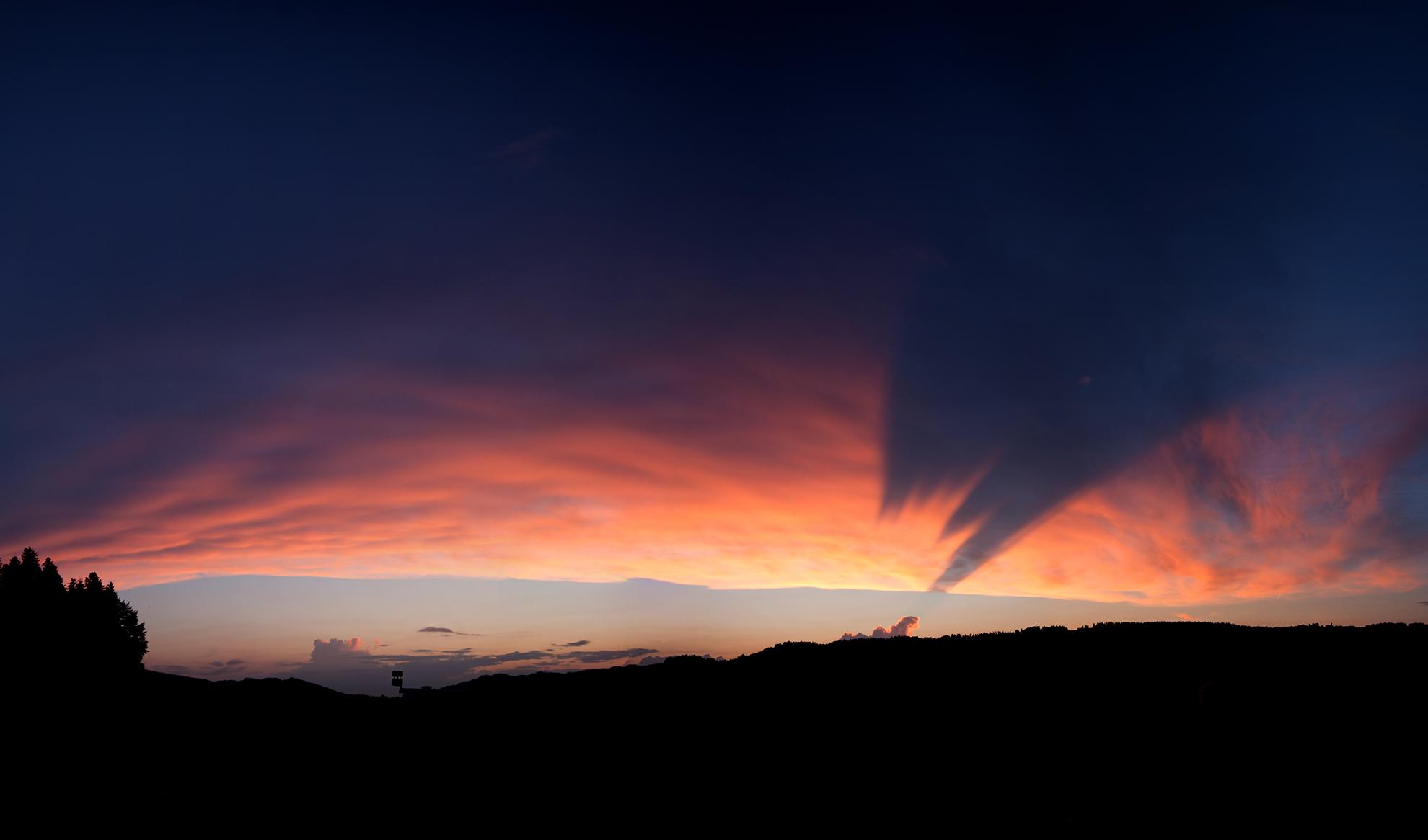 Wolkenschatten auf Wolkendecke